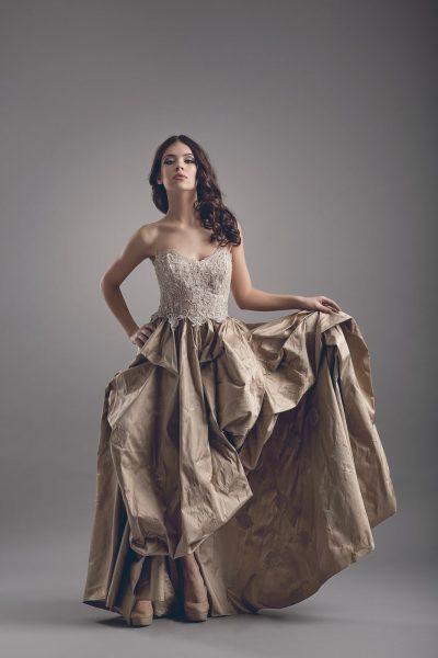 fotografie fashion model auriu