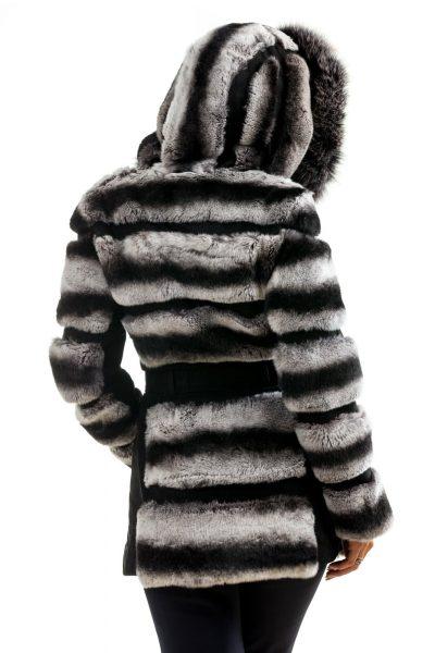 fotografie fashion spate alb negru